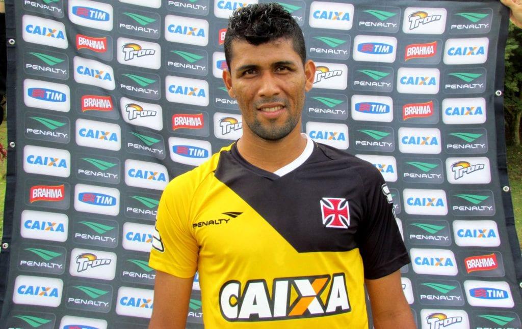 Marlon, o novo lateral esquerdo do Xavante