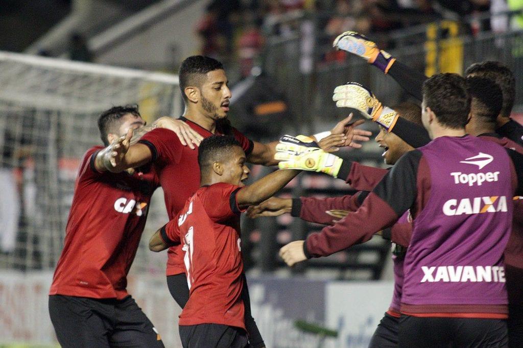 Em noite de bom futebol, Brasil vence o Vila Nova-GO